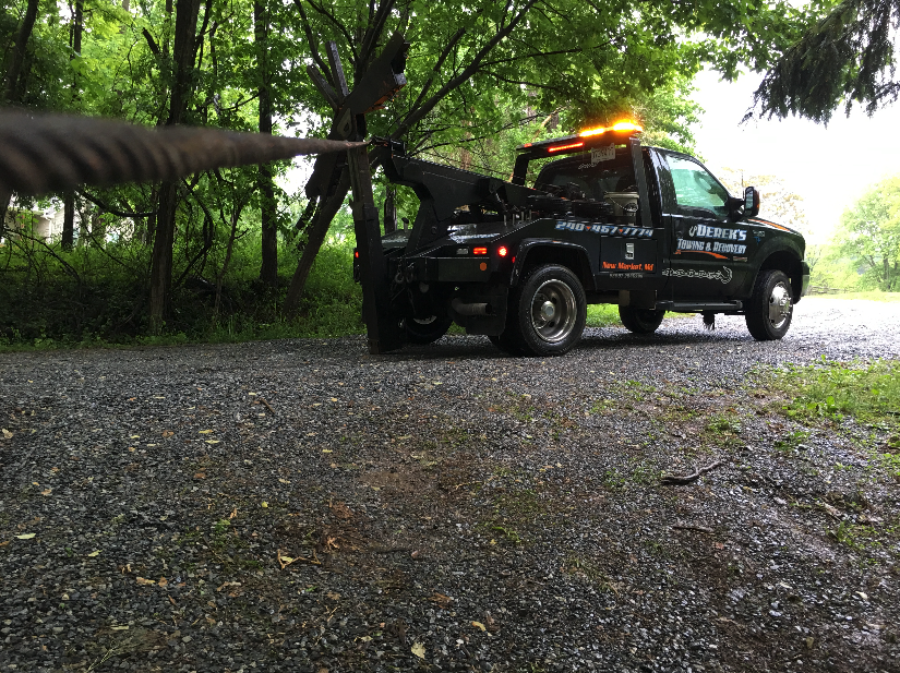 Derek S Towing Recovery Frederick Md Offers 24 Hour